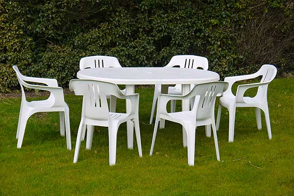 Outdoor Party Tables and Chairs